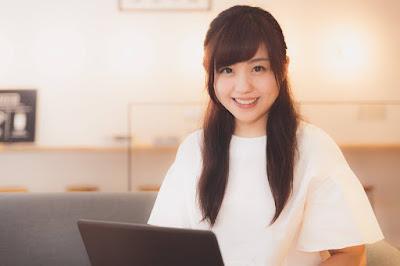 無料CMSサービスで、集客から集金までを完結する先生のためホームページを作ります。