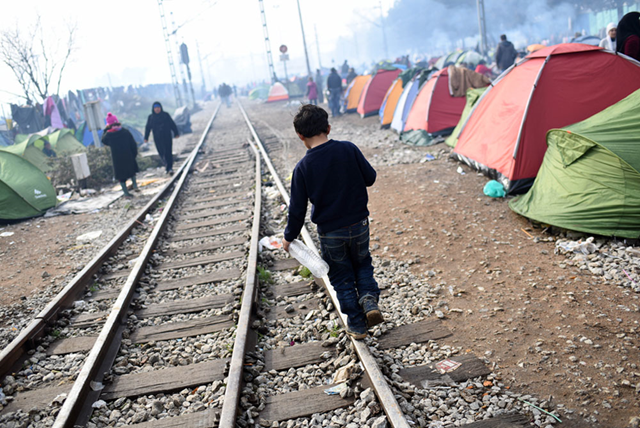 In March 2016, despite border restrictions in the Balkans, the influx of refugees and migrants to Idomeni, Greece, has continued. Photo: UNICEF / UN012804 / Georgiev