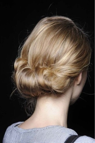 #coque #coqueenrolado #knot #bun #rolledknot #rollled bun #hair #blond #backstage