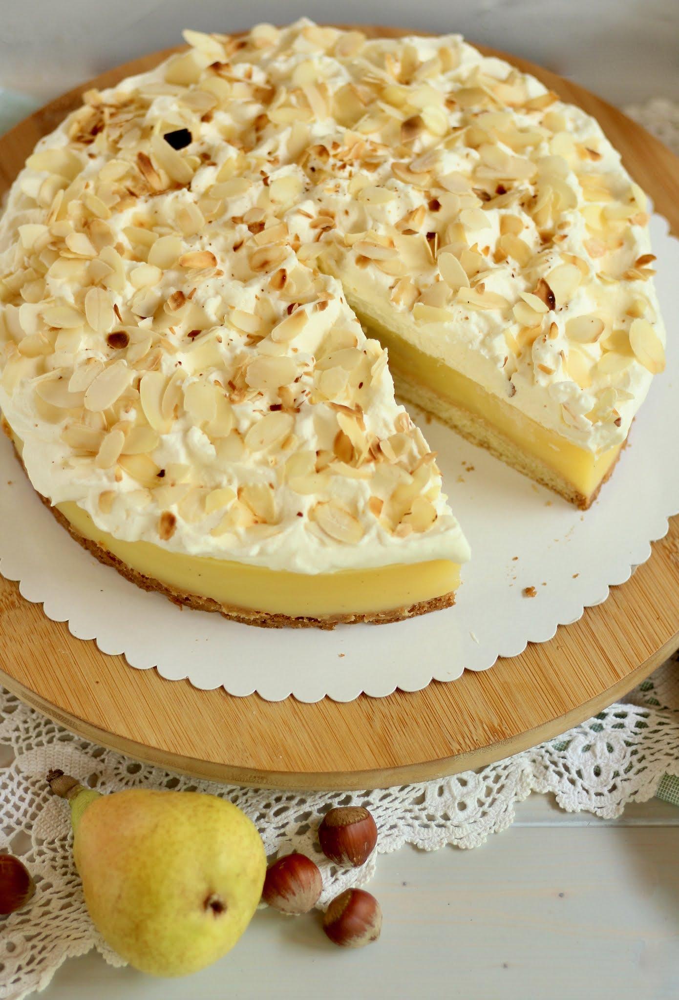 🍐 Super leckere Birnen-Wein-Torte mit Knusperboden und Eierlikör Sahne! 🍐   Rezept und Video von Sugarprincess