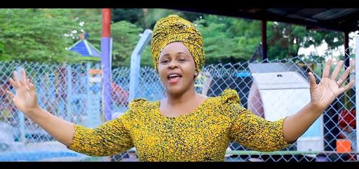 VIDEO | Jennifer Mgendi - Yesu Kainuliwa | Download Mp4