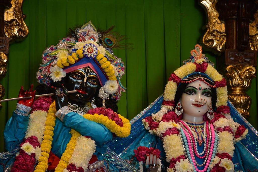 ISKCON Ujjain Deity Darshan 18 Dec 2015 (6)