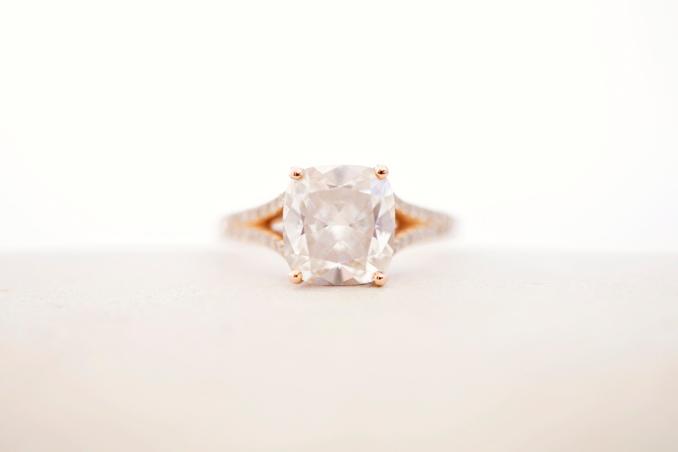 gorgeous engagement ring STUDIO 1208