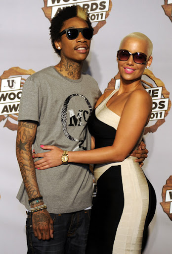 wiz khalifa wallpaper smoking. hot wiz khalifa wallpaper