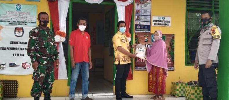 Sinegritas TNI - Polri Distribusi Langsung Bantuan Beras Bagi Warga Kurang Mampu di Wilayah Kabupaten Soppeng