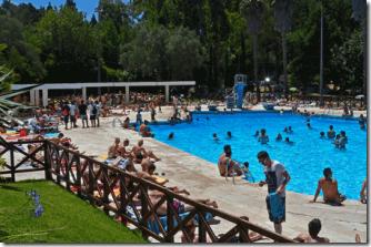 camping-lisboa-piscina-1