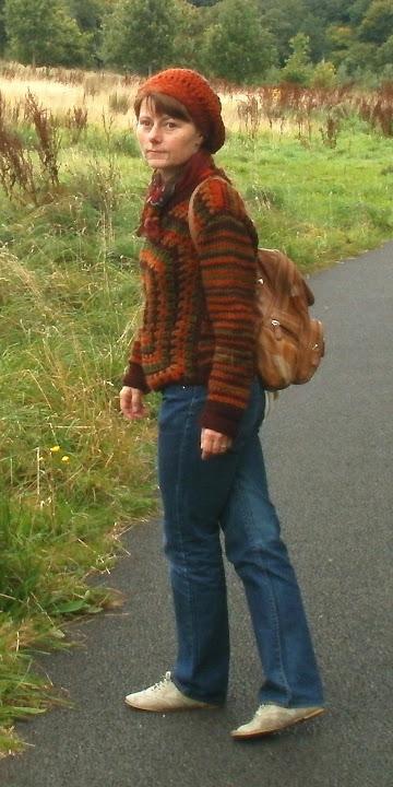 Sweterek prawie z Vogua 10/2011 - tylko ładniejszy ;P