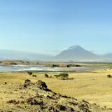 El lago Natron y el volcán Oldoinyo Lengai