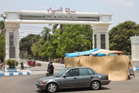 berita terkait alun alun kabupaten Ngawi Jatim