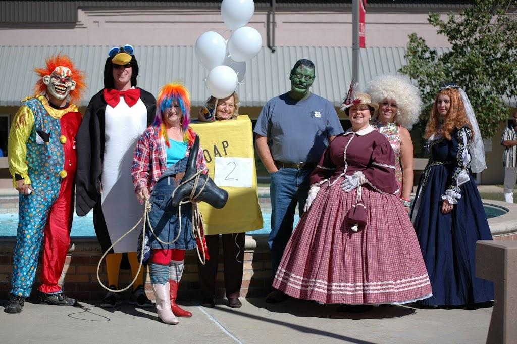 Halloween Costume Contest 2010 - DSC_0271.JPG