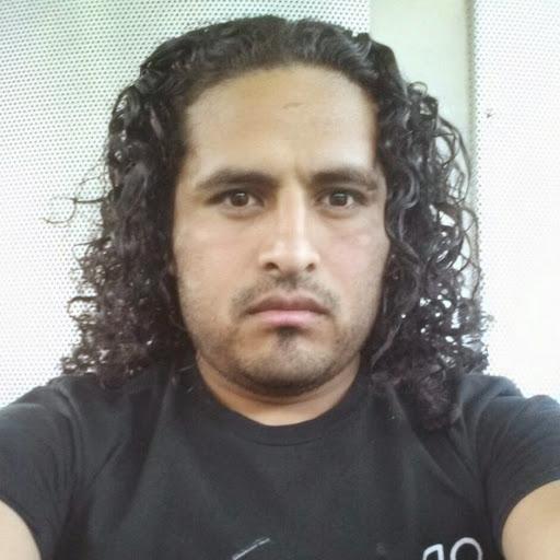 Erik Mendez Photo 6