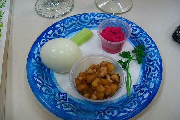 2009 Interfaith Seder - 100_3417.JPG
