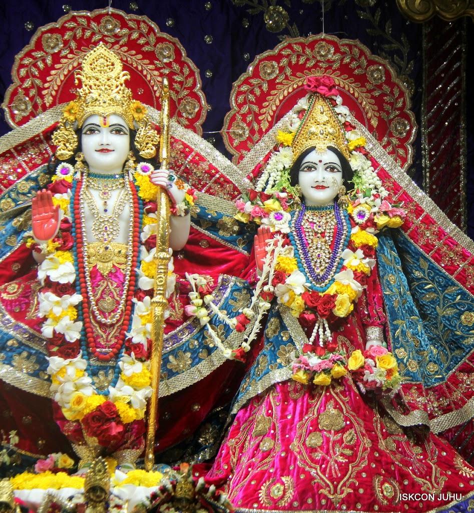 ISKCON Juhu Sringar Deity Darshan on 1st May 2016 (22)