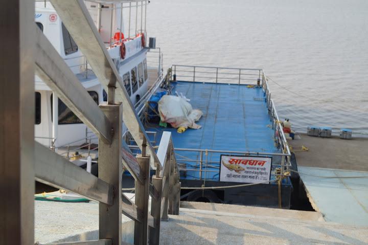 Omkareshwar and Hanmuntiya water resort - DSC06516.JPG