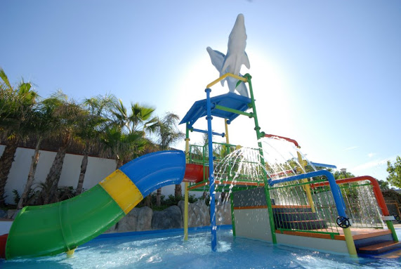Un 2013 con nuevas piscinas campings en tarragona for Camping con piscina climatizada en tarragona