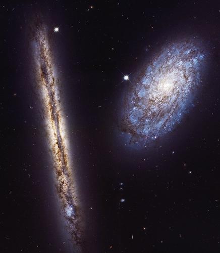 NGC 4302 e NGC 4298