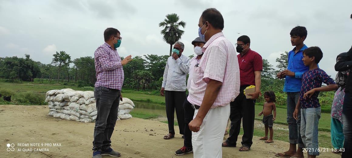 बागमती नदी के तटबंध का एसडीओ ने किया निरीक्षण, एसडीओ ने बांध विभाग के एसडीओ को मरम्मत कार्य मे तेजी लाने का दिया निर्देश।