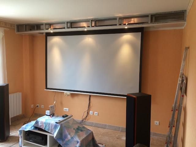 r novation compl te salon mur video et projecteur int gr 30057653 sur le forum. Black Bedroom Furniture Sets. Home Design Ideas