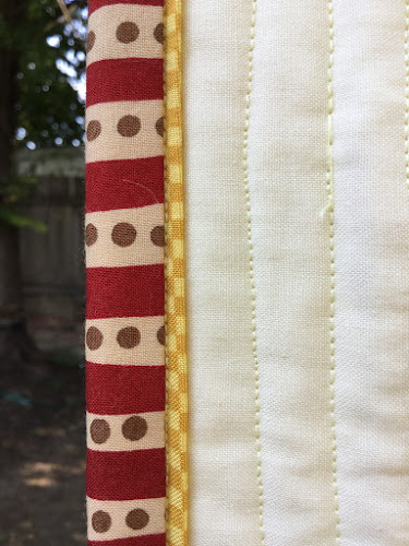 Quilt binding with faux piping