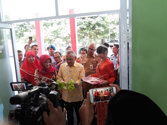 Gubri Resmikan Penggunaan Gedung Baru SMA 4 Pekanbaru.