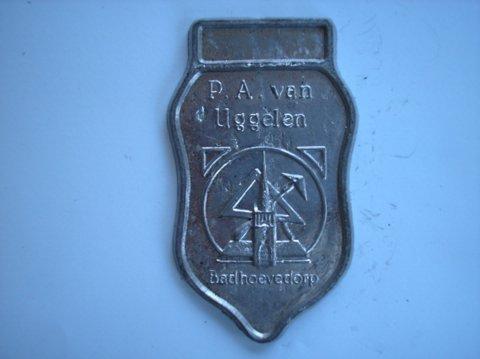Naam: P.A. van UggelenPlaats: BadhoevedorpJaartal: 2000