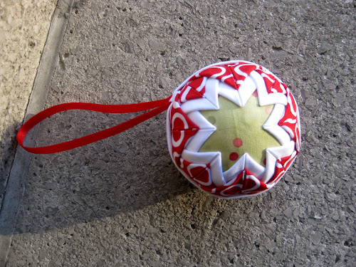 No sew Christmas ornament - tutorial