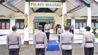 Naik Pangkat, 20 Personel Polres Sekadau Jalani Upacara Korp Raport