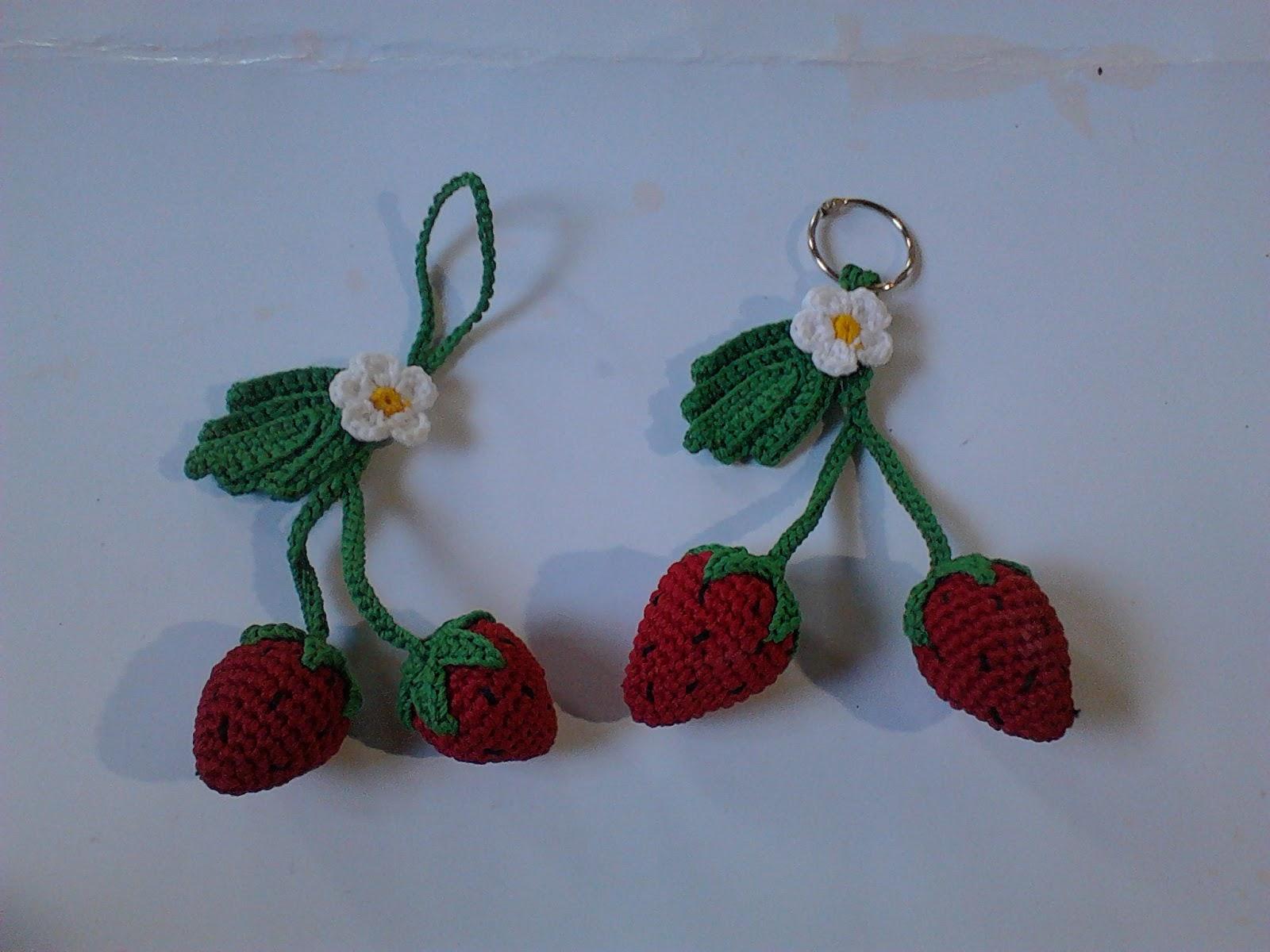 Pola Gratis Gantungan Kunci Amigurumi : Pola amigurumi strawberry umnc