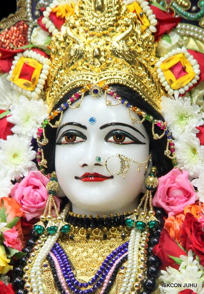 ISKCON Juhu Sringar Deity Darshan on 24th September 2016 (33)