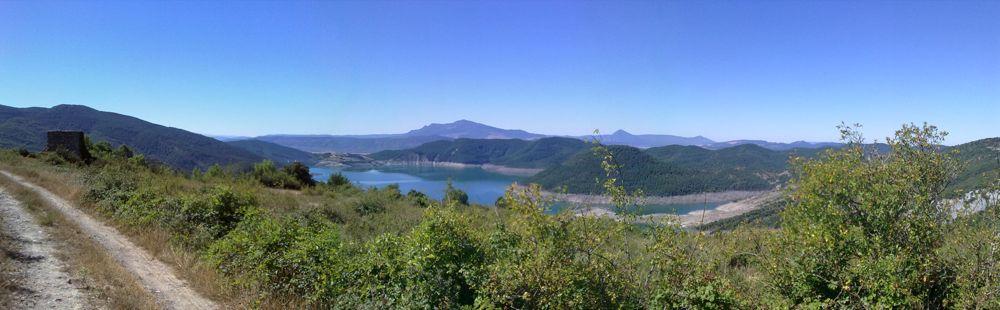 Vista del pantano de Itoiz desde Osa