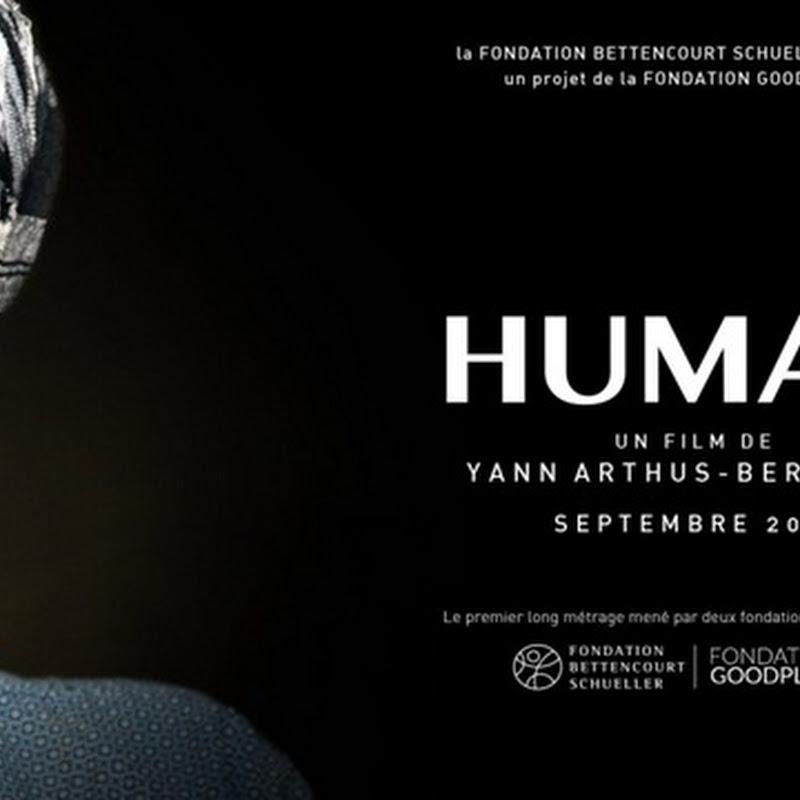 Cosa ci rende umani? Un documentario in cui si intrecciano una moltitudine di storie diverse.