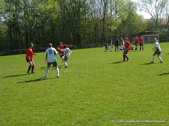 Albatros-17april2010 - vrouwenvoetbal_sint_jozef_londerzeel_drukken.jpg