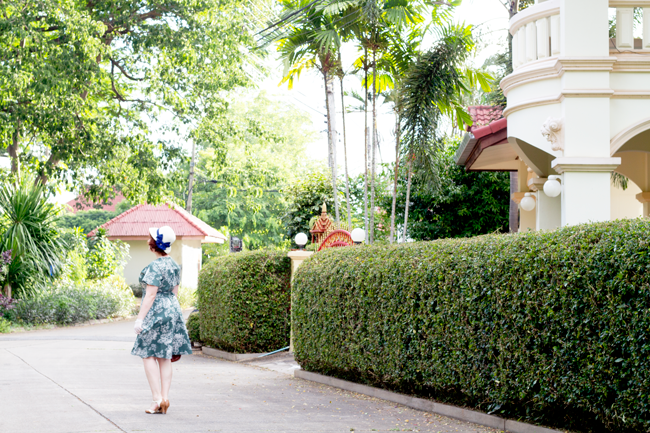 Wandering the tropical streets of Chiang Mai, Thailand   Lavender & Twill
