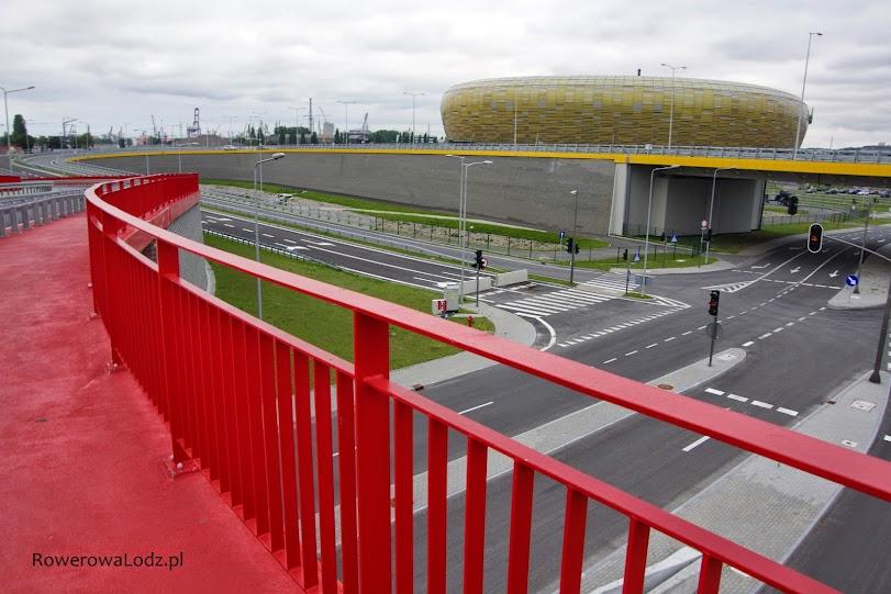 Okolice stadionu. Tu także jest infrastruktura rowerowa.