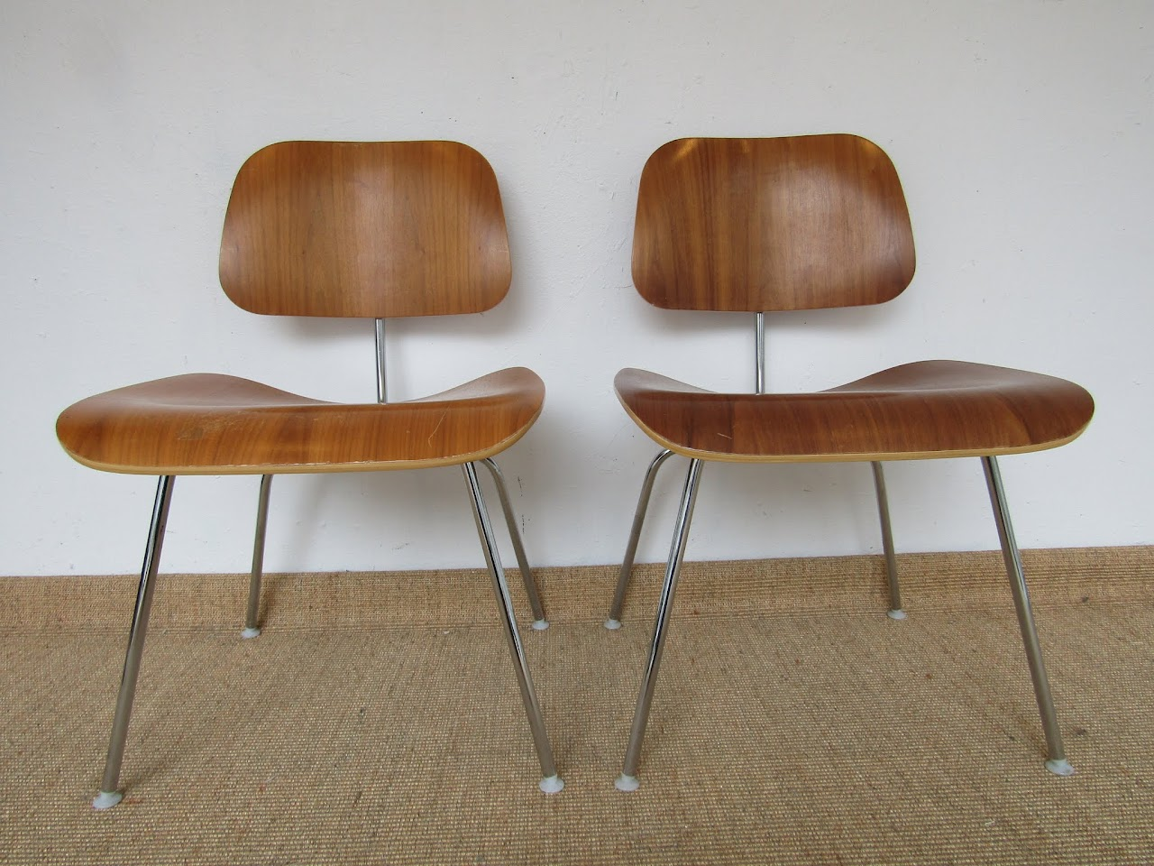 Eames Molded Plywood Chair Pair (4)
