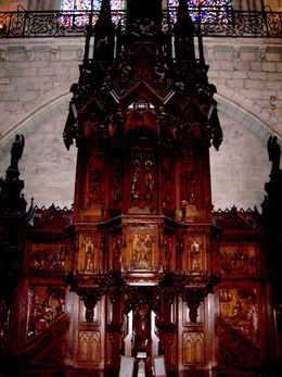 2004.05.22-029 chaire de la cathédrale