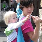Mei Tai (Oud Model) - Samen delen van het broodje makreel