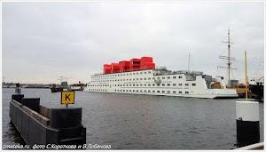 Плавучий отель в Амстердаме - ботель