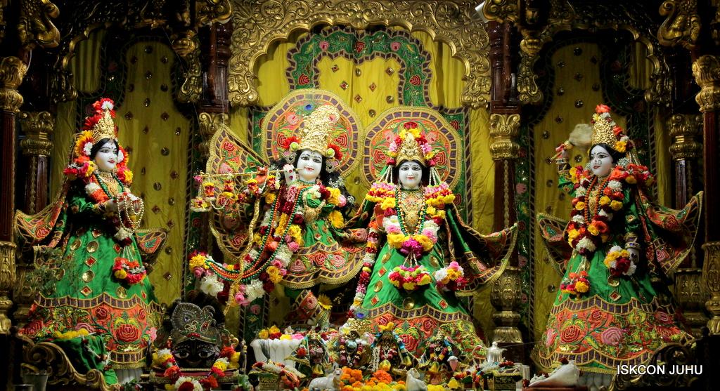 ISKCON Juhu Sringar Deity Darshan on 18th Jan 2017 (1)