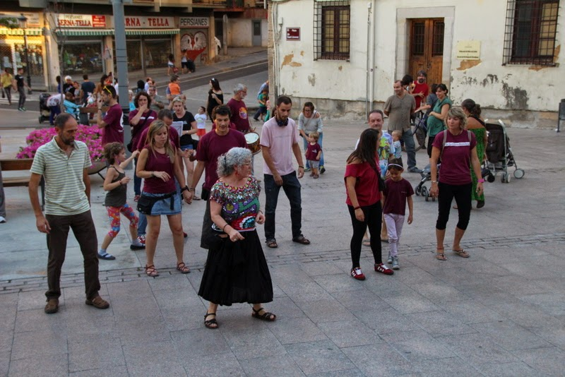 Festa infantil i taller balls tradicionals a Sant Llorenç  20-09-14 - IMG_4429.jpg