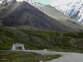 The pass, Khunjrab pass