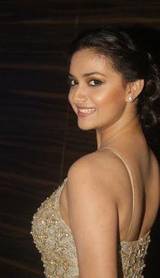Keerthi suresh hot in Movie opening ceremony