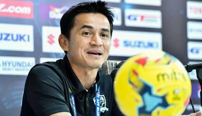 Foto Kiatisuk Senamuang Calon Pelatih Persib Terbaru