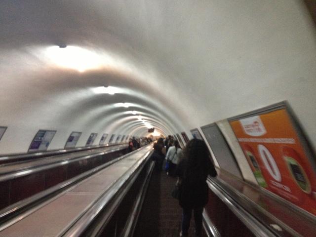 Lange genug Abstieg in den U-Bahn Schacht :)