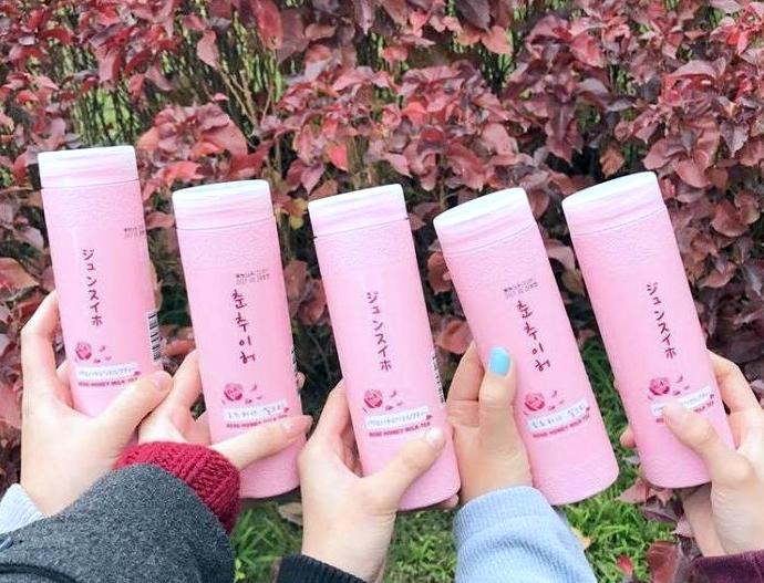 8 純萃。喝 玫瑰奶茶、玫瑰蜜香奶茶