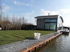 Tuin aan de Reeuwijkse Plassen: -MODERN IN NATUURLIJKE OMGEVING-