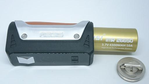 DSC 5749 thumb%255B2%255D - 【MOD】「GEEKVAPE AEGIS 100W 18650/26650 BOX MOD」(ギークベイプ・イージス100W)レビュー!水につけても平気、落としても100人乗っても…頑丈MOD!!【VAPE/電子タバコ/防水/防塵/耐衝撃】