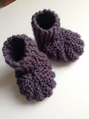 strikket baby sokker opskrift