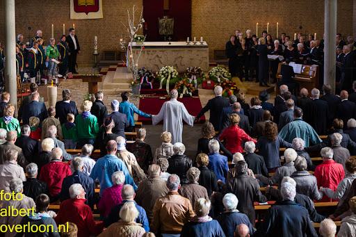 herdenkingsdienst  en een stille tocht naar het Engelse kerkhof 12-10-2014 (35).jpg