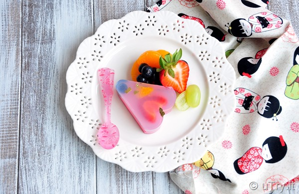 Mixed Fruit Jelly Cake (櫻花雜果大菜糕)   http://uTry.it